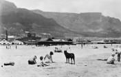 1930s: Woodstock beach