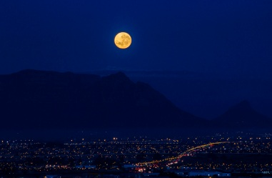 Moon over table mountain